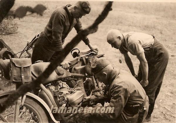 militares, militar, Alemania, BMW, mecanicos, reparacion, reparar, parada, moto