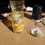 - El aceite de girasol es el aporte graso que hace la mezcla consistente, con aspecto de crema.